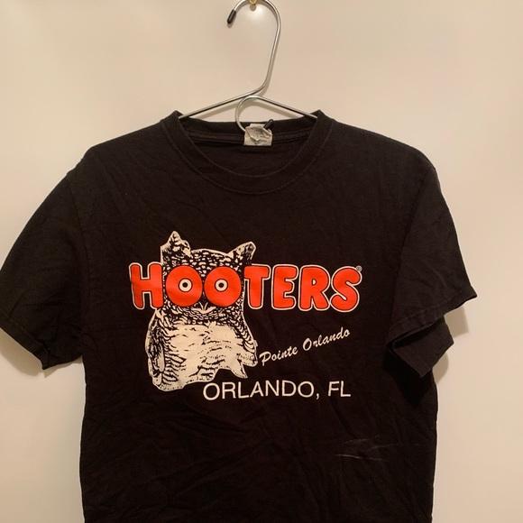 Hooters Other - Hooters Orlando Florida T-shirt Medium